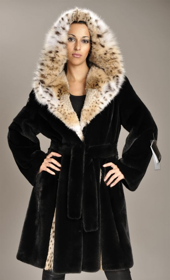 Blackglama Mink coat with Lynx hood and pleats