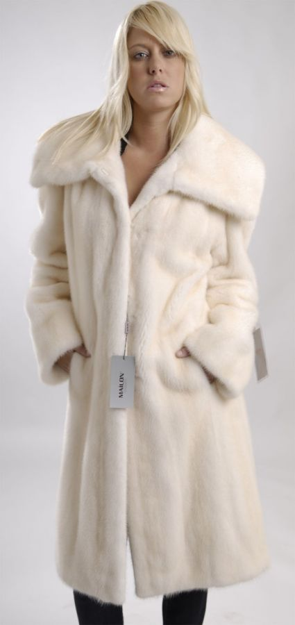 Golden Pearl let out Mink Coat